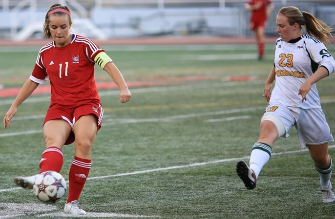 Soccer Martlets tripped by Sherbrooke in dying seconds of