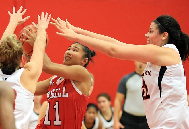 Huskies outpace Martlets in Darcel Wright tourney semifinal