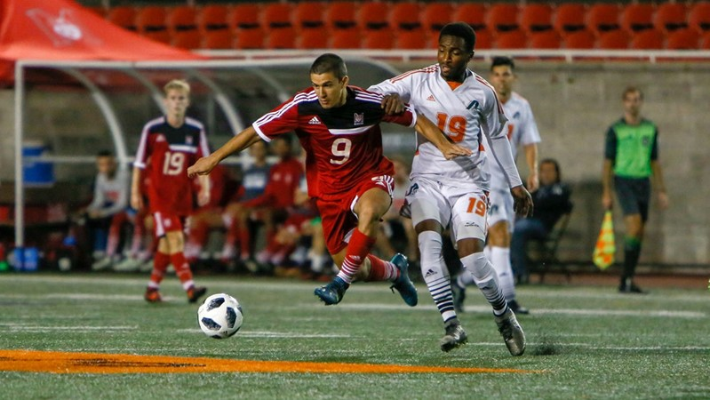 Sherbrooke soccer squad stuns McGill with last-second goal